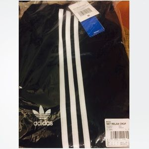 best service 84c64 f706e adidas Superstar Relaxed Cropped Track Pants Black NWT